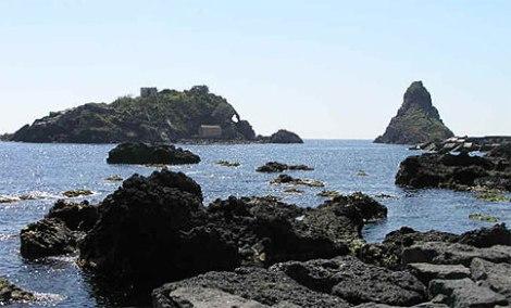 Spiaggia Aci Trezza Catania